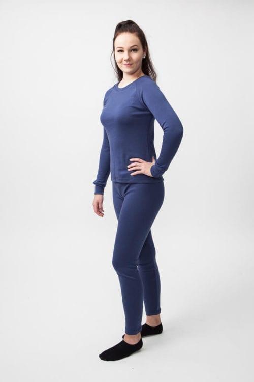 Naisten aluspaita ja pitkät alushousut