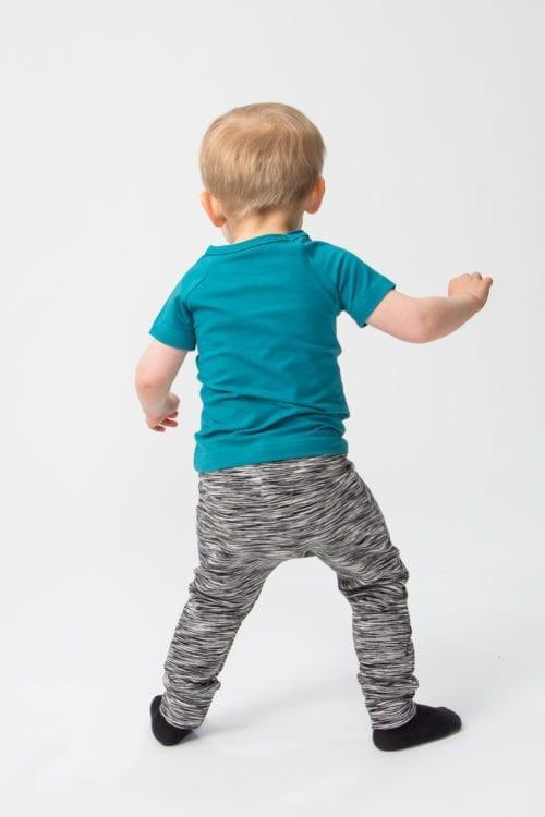 Lasten raglanpaita ja Baggyhousut